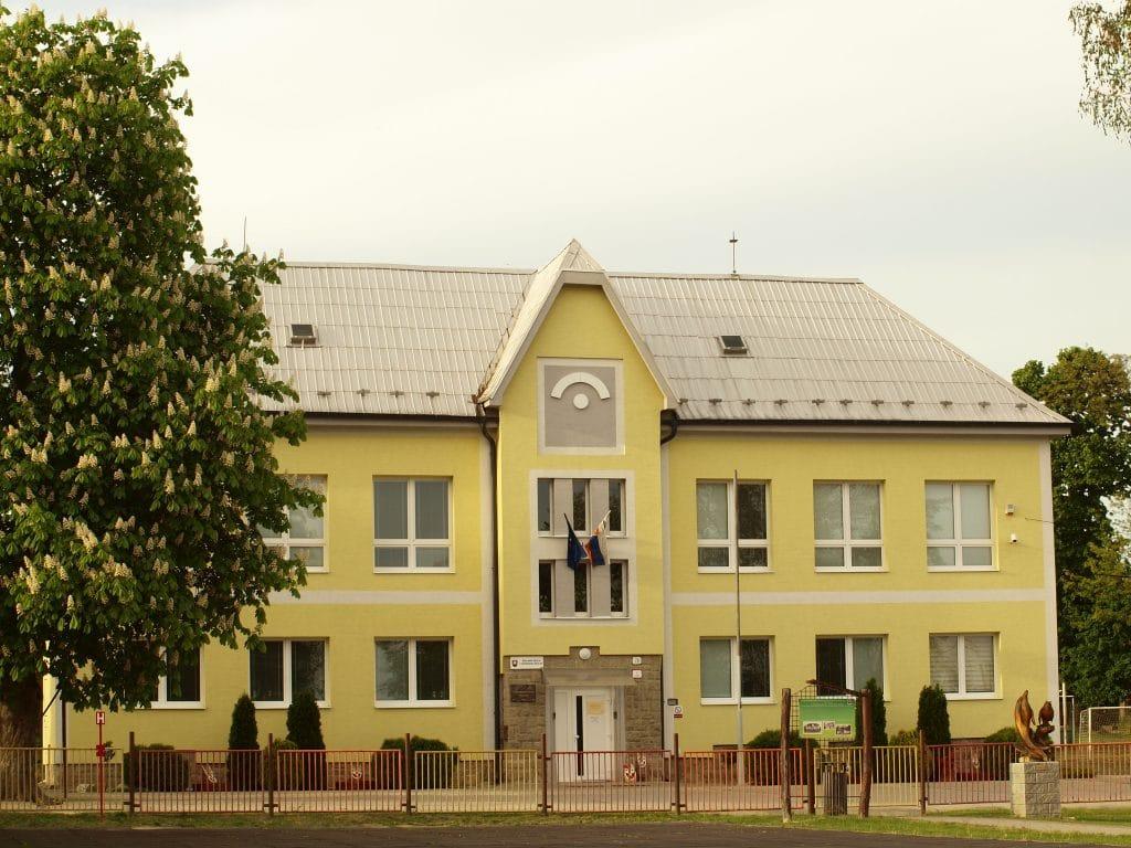 Travnica-budova-ZS-